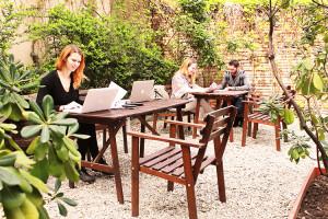 Giardino con coworkers   Campus Coworking Milano